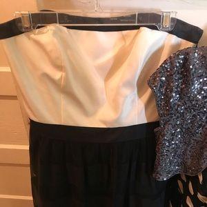 Beautiful dress! White House Black Market